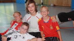 /?proxy=REDAKTION/Verein/Fussballschule/News/2011/FS_kulontour_2_255x143.JPG