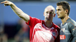 /?proxy=REDAKTION/Teams/VfB/2010-2011/Trautner_Ulreich_1011_255x143.jpg