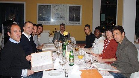 /?proxy=REDAKTION/News/2011-2012/News/Abendessen_U17_Praesident_464x261.jpg