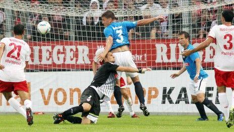 /?proxy=REDAKTION/News/2011-2012/Testspiele/Kickers-VfB2011_1_464x261.jpg