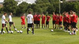 /?proxy=REDAKTION/News/2011-2012/VfBII/Trainingsauftakt1112_VfBII_1_255x143.jpg