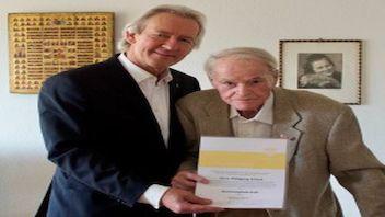 Wolfgang Erhard zum Ehrenmitglied ernannt