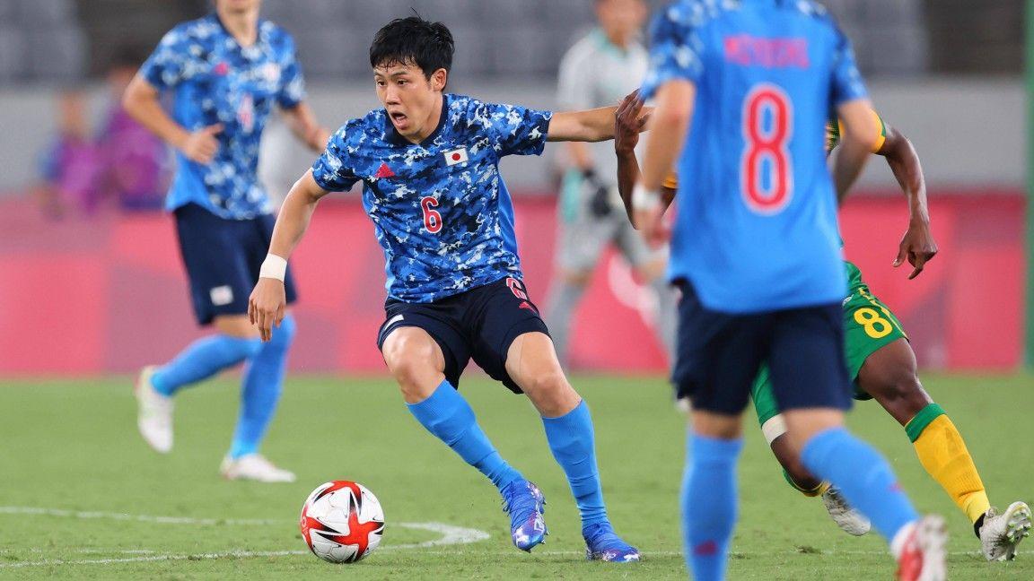 Olympic Games: Wataru Endo and Japan reach quarter-finals