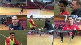 dunkelrot: Manuel meets Mario - Futsal Spezial